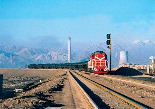 中国东莞到匈牙利亚斯费尼绍鲁铁路运输价格