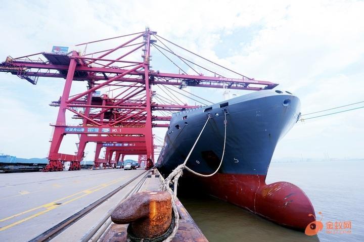 内河船舶免费试用张家港海事岸电推广又出新举措